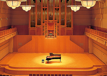 Grand Piano Hall p-45 Yamaha P-45 6BB8C524E5854ACDAA2387809EDF3BC7 12074