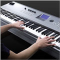 Выразительность, похожая на пианино -  клавиатура с молоточковым механизмом (Graded Hammer)